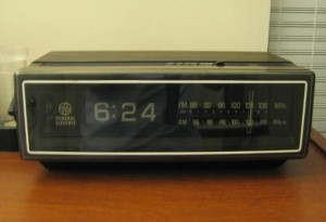 Old_'75_clock_radio
